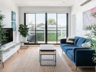 Relax Your Senses! Serene and Lavish Apartment in Inner North Paradise Northcote