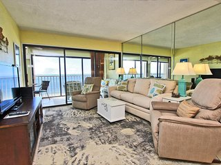 EdgeWater 52- Stunning Views, Great Weather & Low Rates! Book Today