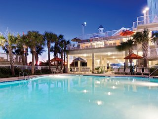 Cozy Studio in Myrtle Beach   Outdoor Pool + Giant Waterslides + Lazy River