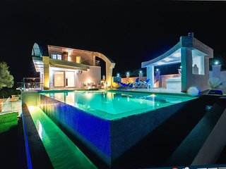 Luxurious villa with a private pool and sea view