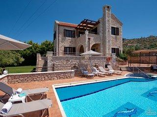 Almyrida Villa Sleeps 6 with Pool Air Con and WiFi - 5228033