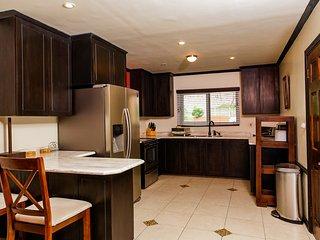 Modern Two Bedroom Apartment, Kingston