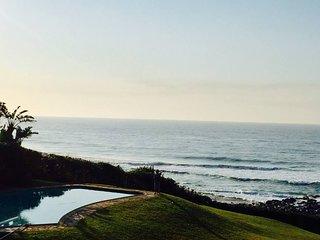 Stunning family beach house, best location in Ballito on the beach