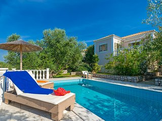Gialova Villa Sleeps 2 with Pool Air Con and WiFi - 5604843