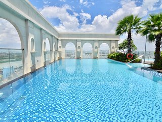 1006_CBD Family 3BR ICON56 *FREE Rftop Pool & Gym