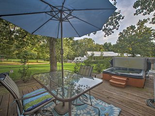 Private 1-Acre Grove Home w/Hot Tub by Grand Lake!