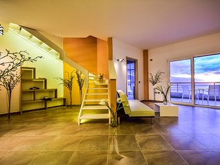 Luxury Mediterranean Sea-view Apartment in Valona