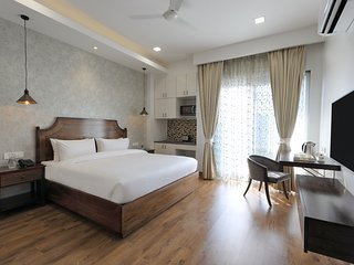 HYDEWEST INDIA - The Medicity - Orchid Studio Gold King with Kitchenette Gurgaon
