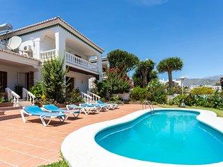 Angel's Villa, con piscina privada y BBQ!