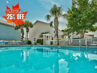 Near Beach, Pool in Community + FREE VIP Perks & MORE! 25% OFF FALL STAYS!!!!