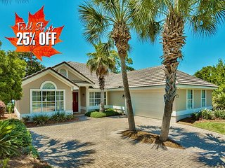 25% OFF FALL! LAKE FRONT Home! Community Pool~Hotub~Gym +FREE VIP Perks &MORE