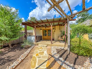 Luxury, studio-style cabin w/ a private hot tub, fireplace, & more!