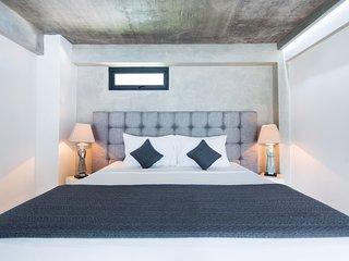 B34 Dreamy Tropical Suite w Comfy Balcony Seminyak