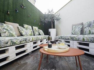 OPERA Luxury Penthouse (4BR 3BT)