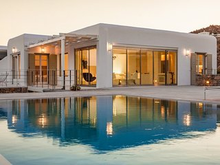 Amazing 4 Bedroom Mykonos Villa, Niobe, contact today for best rates!