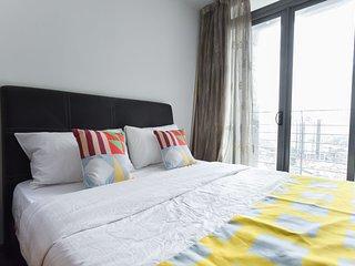 OYO Home 633 Taragon Puteri Bintang 1BR Near Berjaya Times Square