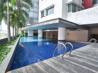 OYO Home 726  Luxury 1br Taragon Puteri