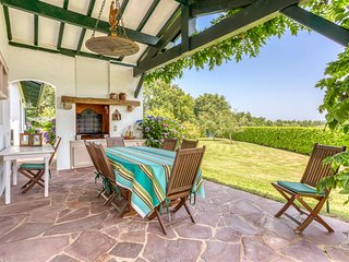 Olhette Villa Sleeps 8 with Pool - 5049717