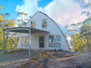 Treetops Bullaburra - Blue Mountains Eco Loft