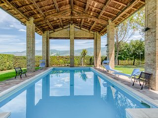 Case Vecchie Villa Sleeps 12 with Pool - 5364714