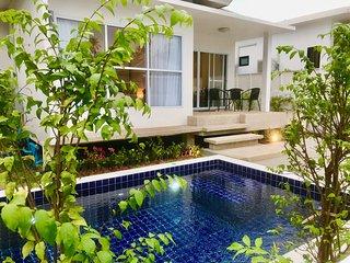 2 Bedroom Luxury Pool Villa Orchid - walk to beach