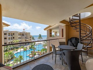 Exquisite 2 bedroom Penthouse Condo at El Faro, Fantastic Price! (R404)