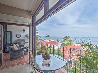 Resort Condo w/ Pool Access & Pacific Ocean Views!