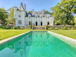 6 bedroom Chateau with Pool and WiFi - 5808421