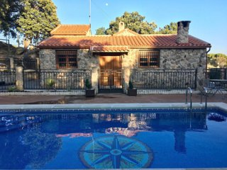Casa Valdesanmartin • Swimming Pool • only 1 hour from Madrid-Avila-Toledo
