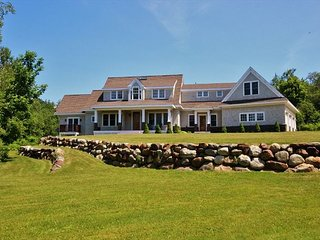 Maine Windward- Stunning and private property.