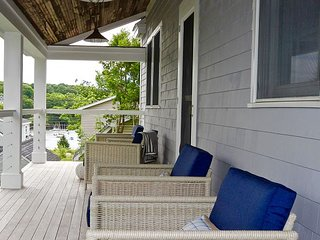Chic Rockport Village House with views of the water, walk to everything;