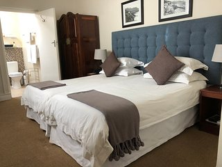 Welcome to Olaf's Guest House Sea Point's Luxury Guest House