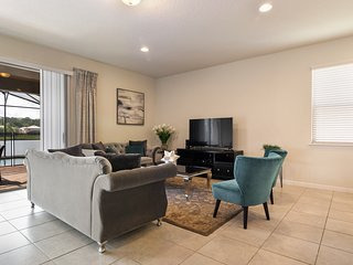 8BR 5Bth Windsor at Westide Home with Private Pool, Spa and Pool Table