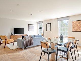 Sonder | Sloane Square | Luxurious 3BR + Terrace