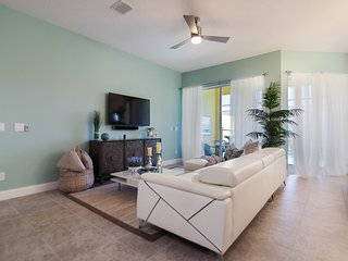 Marvelous 5BR 3Bath Festival Resort Townhome with Private Splash Pool