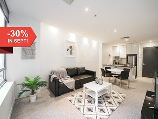A Cozy 2BR Suite on Collins Near Flinders Station