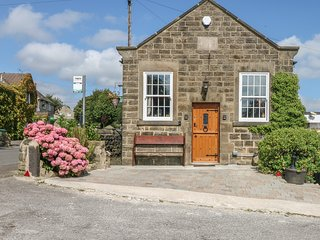 THE CHAPEL, open plan living, countryside views, WIFI, converted chapel, Ref