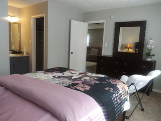 Private bedroom ensuit near suntrust park