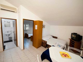 Medici Apartment Sleeps 4 with Air Con and WiFi - 5812296