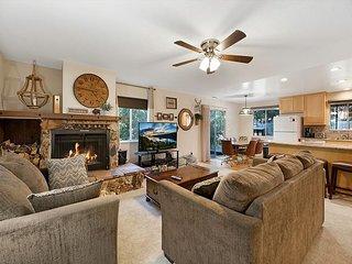 Charming 3BR w/ Fireplace, Deck, Grill & Large Backyard - Near Ski  Resorts