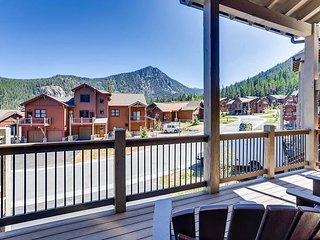 Keystone Resort New Home w/ Pool & Private Hot Tub - Walking Dist to Gondola