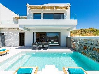Villa Smili- Naiades/ 3 bedrooms, luxury, beachfront