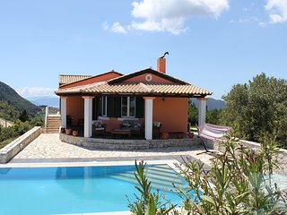 Sunrise House. Lefkada Villa - exceptional sea views - pool - air conditioning