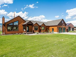 Yellowstone Trail- New listing in Paradise Valley!