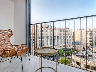 Trust Inn - Splendid New Architect Apt & Balcony