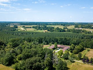 Estang Chateau Sleeps 15 with Pool - 5504603