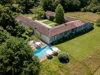 6 bedroom Chateau with Pool and WiFi - 5504603