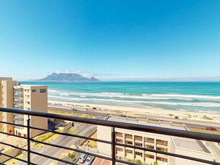 Ocean view condo with private balcony - walk to the beach!
