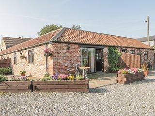 FREEBOROUGH, single-storey, red brick barn conversion, en-suite, romantic