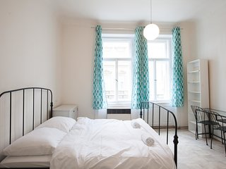 Vintage two bedroom apartment in Ujezd by easyBNB
